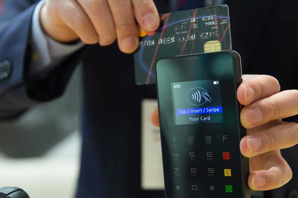 Estos son algunos beneficios de adoptar los pagos electrónicos